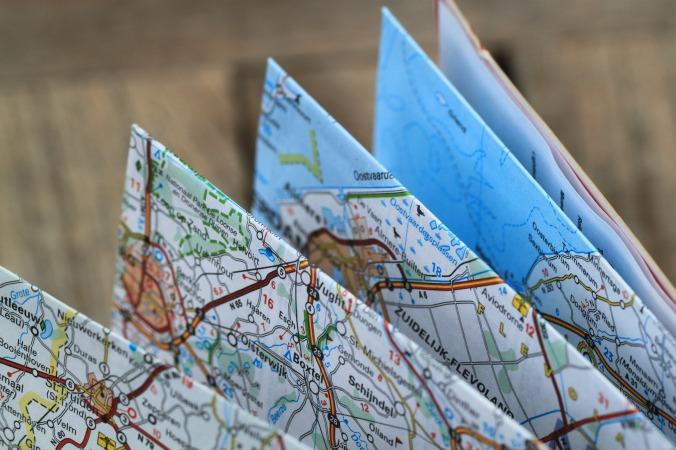 folding-map-360382_1920